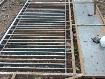 Pekerjaan Pembuatan Pintu Pagar Besi