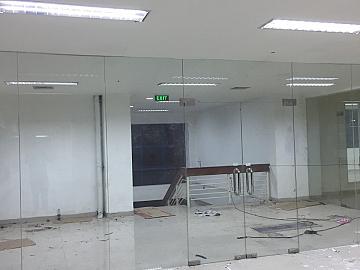 Pekerjaan PARTISI dan PINTU KACA TEMPERET di MUARA BARU JAKARTA