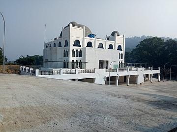 Perkerjaan Masjid 4 Lantai di Sukabumi